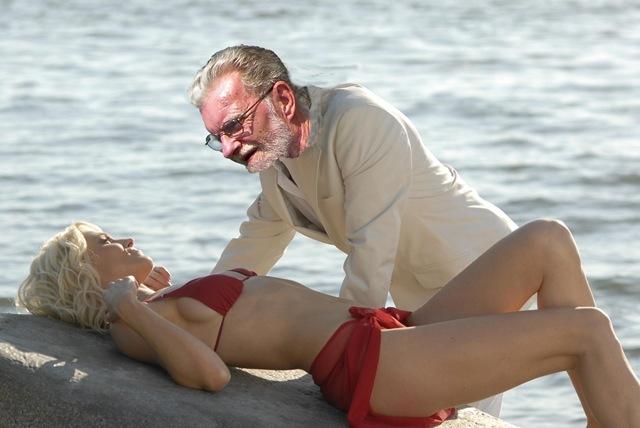 Bikini.jpg 2