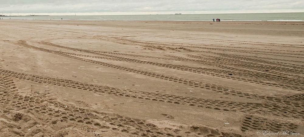Sporen in het zand (1)