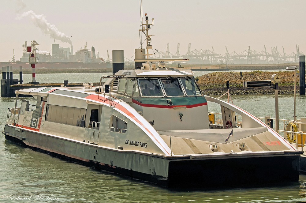 Fast Ferry (1)
