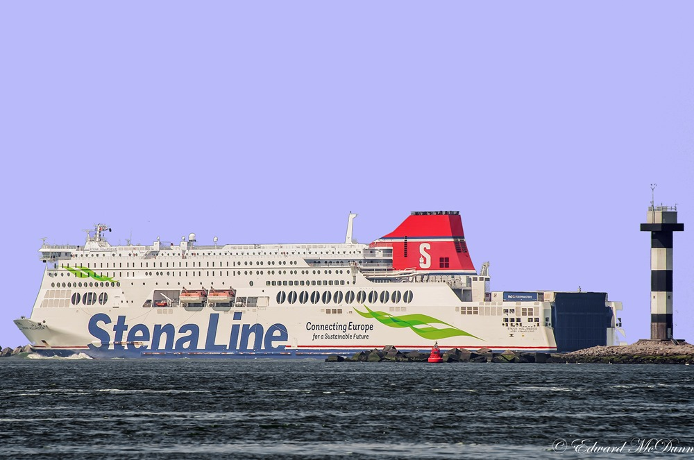 Fast Ferry (8)